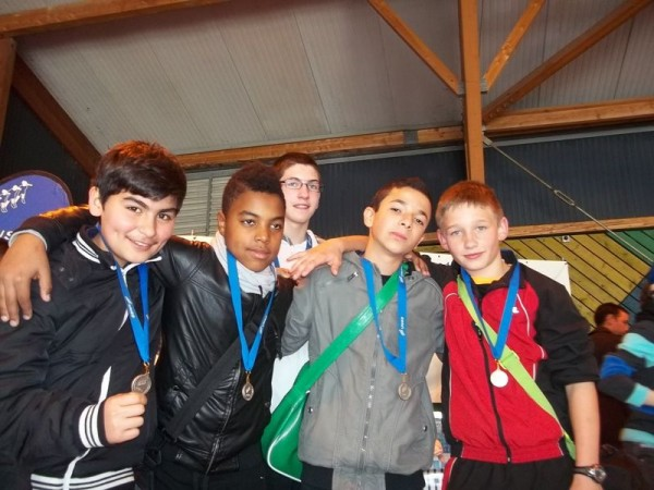 Axel, Yannis, Sadjed, Lucas, Anthony vice-champions de Meuse en Volley-Ball