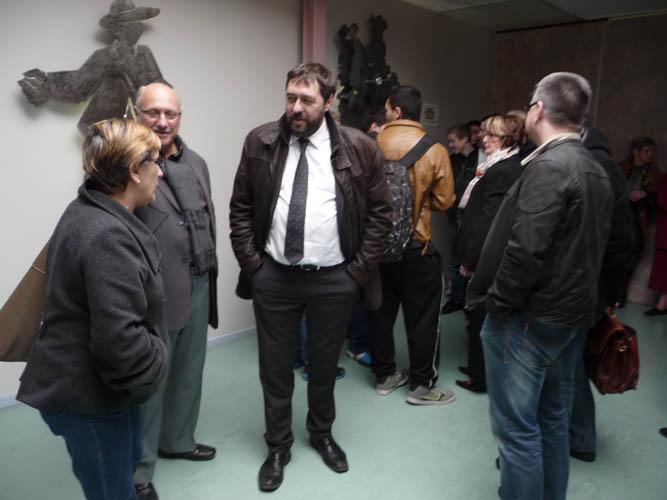 41e03d468cffa2 Mme Maryvonne MUSSET , conseillère régionale et Mrs Marc CECCATO, Jean-Noël  Pallez et Patrice Reposeur, respectivement Maire de Landres, Proviseur et  Chef ...